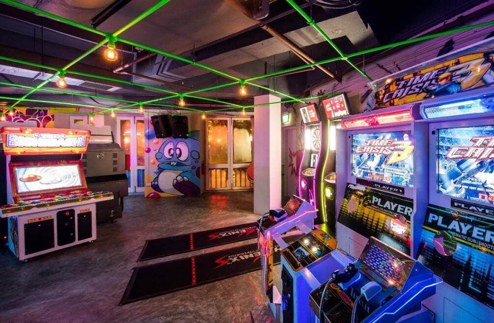 level up arcade bar